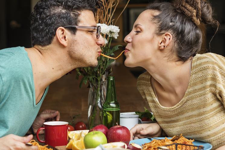 【調査結果】週末のおうちゴハン、結婚している人の幸せ度は?