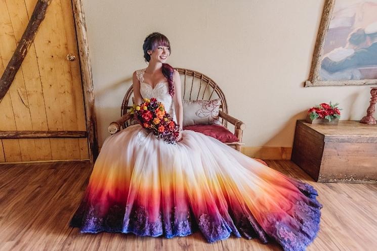 ドレスを染めてみる?世界に一つだけのハッピーなウェディングドレス