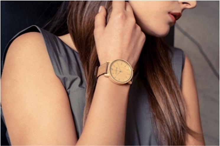 使うほどに馴染む、植物生まれのオーガニック腕時計