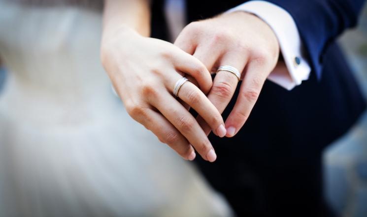 ニューヨーカーはどう感じている?日本の「いきなり結婚族」