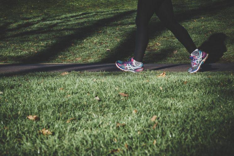 歩くだけでダイエット効果はあるの?気になるウォーキングを徹底解説