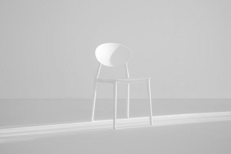 どこでも出来るのに効果テキメン!椅子の上で出来るストレッチ