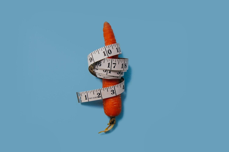 メジャーでサイズを測るイメージ