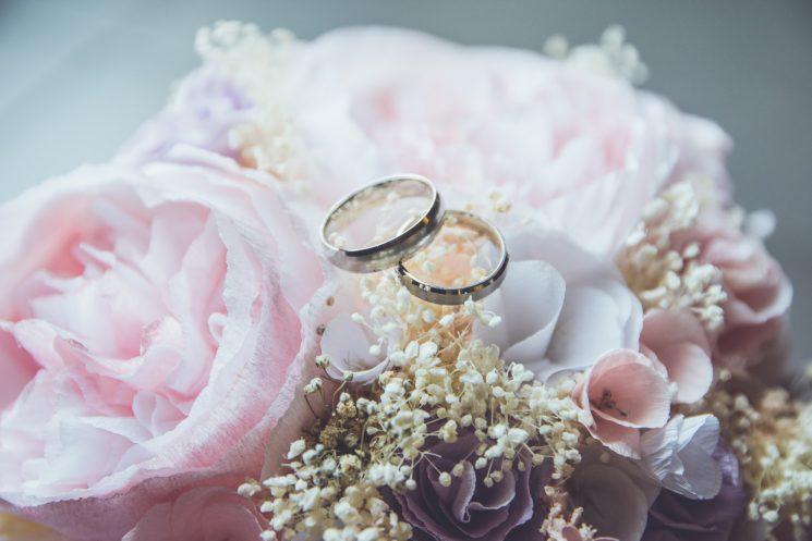 女性の結婚適齢期って?年齢と過ぎたときのメリット・デメリット