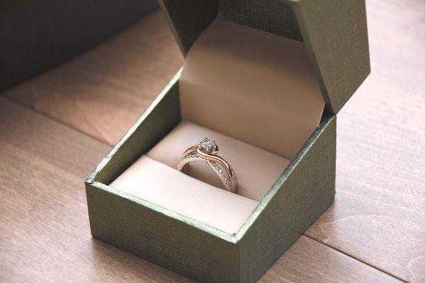遠距離恋愛から結婚するためには?うまくいくためのコツと結婚のタイミング